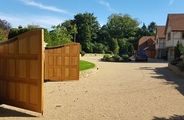 Finished solid oak gates with panels 2